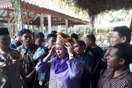 Yenny Wahid ingatkan kedekatan Gus Dur dengan warga Papua