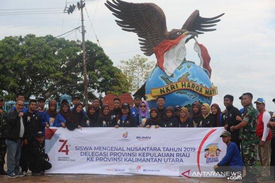 Peserta SMN Kepulauan Riau jelajahi batas NKRI-Malaysia di Sebatik