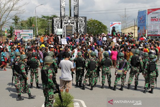 Aksi unjuk rasa di Timika