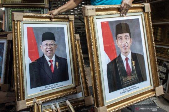 Penjulan poster Jokowi-Ma'ruf Amin