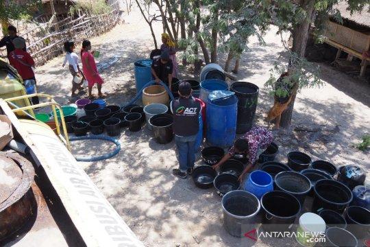ACT NTB salurkan bantuan air bersih 21 truk tanki