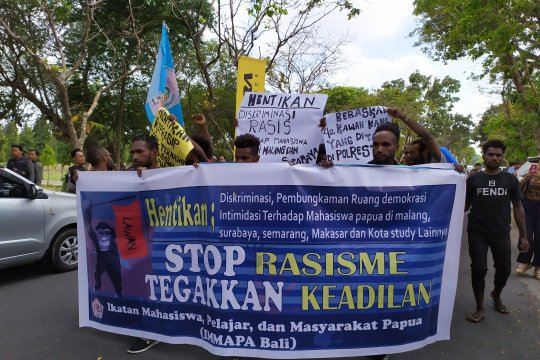 Puluhan mahasiswa Papua di Bali lakukan demonstrasi damai