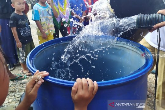 Warga Kampung Bugis dan Penyengat kesulitan air bersih