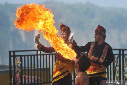 Atraksi budaya Panorama Ngarai Sianok