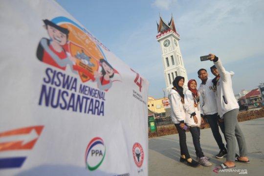 Peserta SMN kunjungi ikon wisata Sumbar