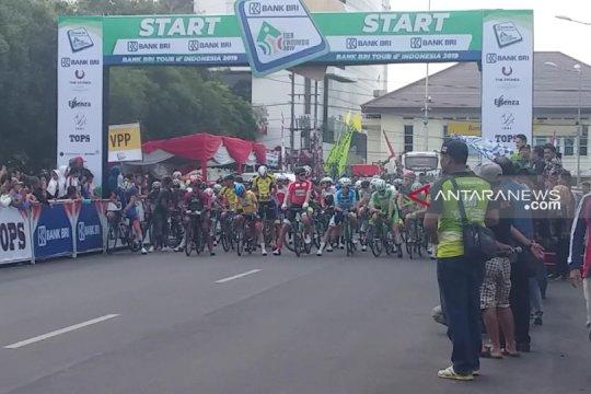 Jumlah peserta balap sepeda Tour d'Indonesia etape keempat berkurang