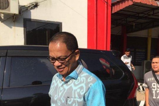 Bupati Lingga bantah diperiksa KPK