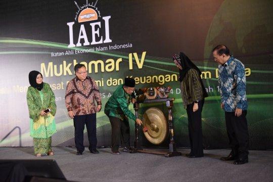 Darmin: Keuangan syariah butuh interaksi dengan sektor riil