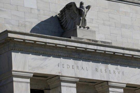 Dua pejabat Fed tidak melihat alasan penurunan suku bunga saat ini