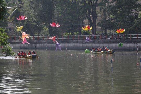 64 tim siap ikuti kompetisi dayung perahu karet di Surabaya