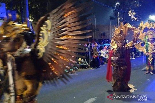 Ratusan seniman unjuk kebolehan di ajang Kediri Nite Carnival
