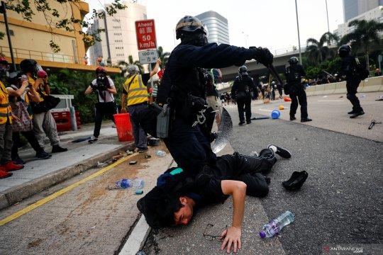 Hong Kong tutup empat stasiun kereta menjelang aksi protes