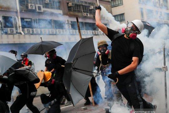 Polisi Hong Kong tangkap 36 orang, yang paling muda berusia 12 tahun