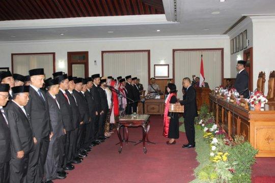 49 anggota DPRD Tulungagung resmi dilantik