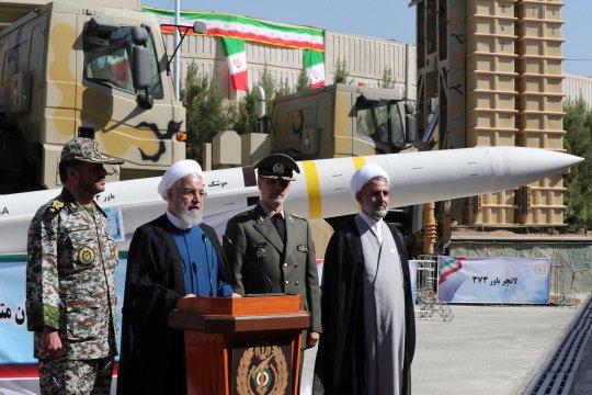 Komandan IRGC: Iran uji coba penembakan rudal baru