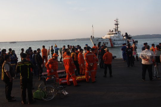Gubernur Jatim sampaikan bela sungkawa korban kapal terbakar