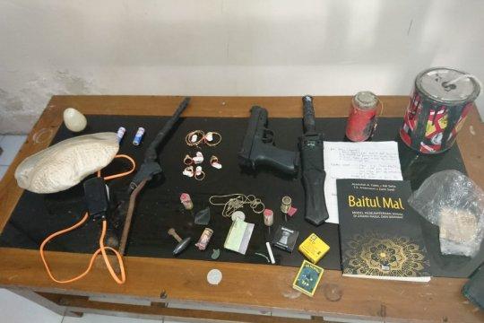 Polres Magetan tangkap pria bawa bom rakitan