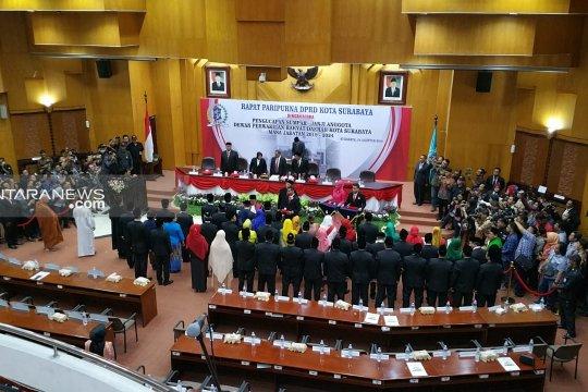 50 anggota DPRD Surabaya periode 2019-2024 dilantik