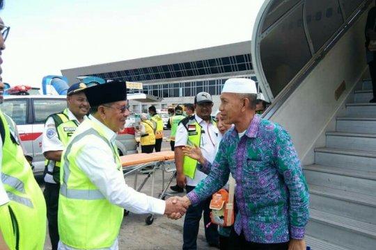 Gubernur Maluku Utara sambut jamaah haji Di Makassar