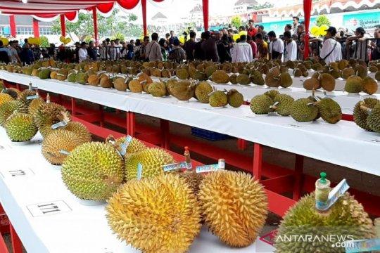 Hari ini ada pameran fesyen hingga bazaar durian