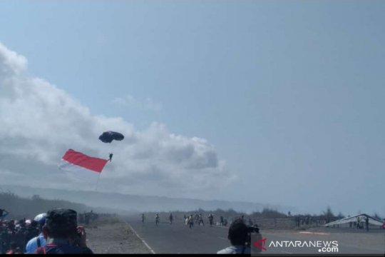 Jogja Air Show 2019 pecahkan rekor, tarik banner 1.250 meter