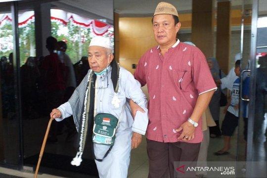 120 haji asal Belitung tiba di daerah asal