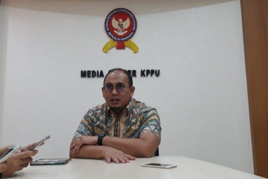 Politisi Gerindra penuhi undangan KPPU terkait dugaan jual rugi semen