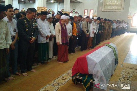 Ketua MUI Cianjur pimpin shalat jenazah Ipda Erwin