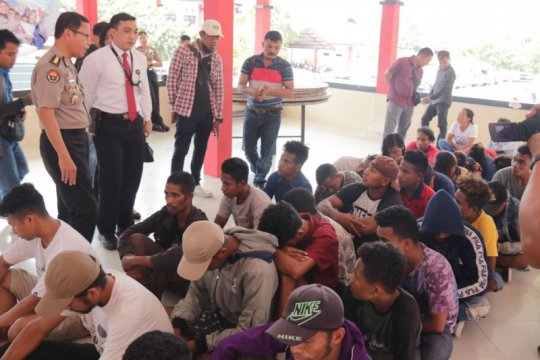 Polda Kepri tetapkan dua tersangka penyelundup pekerja migran ilegal