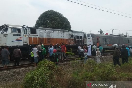 Daop 1: Jalur kereta lintas Karawang sudah bisa dilintasi
