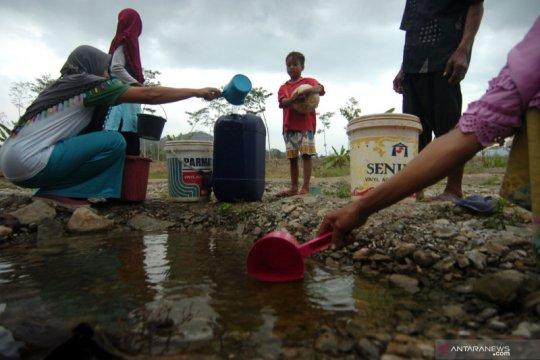 Penurunan tanah Jakarta, disebabkan eksploitasi air tanah