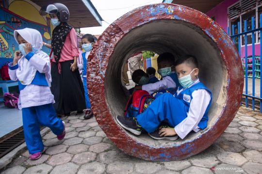 Sekolah di Pekanbaru belum diliburkan meski asap Kahutla kian parah