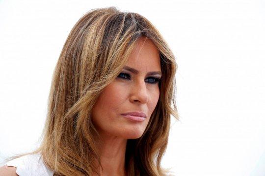 Trump mengaku belum punya kado Natal untuk sang istri