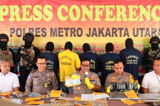 Polres Jakarta Utara bongkar jaringan pemalsu plat nomor dinas