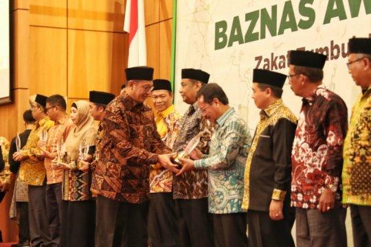 Pemkot Makassar dianugerahi Baznas Award 2019