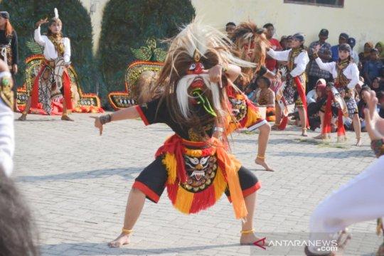 Pemkab Ponorogo dorong desa/kelurahan kembangkan reog