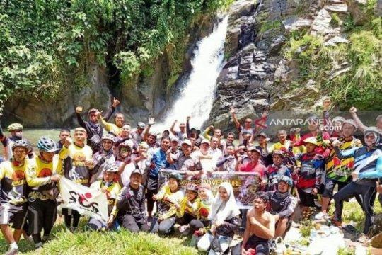 Dinas Pariwisata Tapanuli Selatan promosikan air terjun kembar