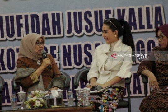 Mufidah Jusuf Kalla minta perajin tenun NTT fokus tenun ikat