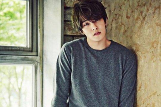 Lee Jong-hyun keluar dari CNBLUE