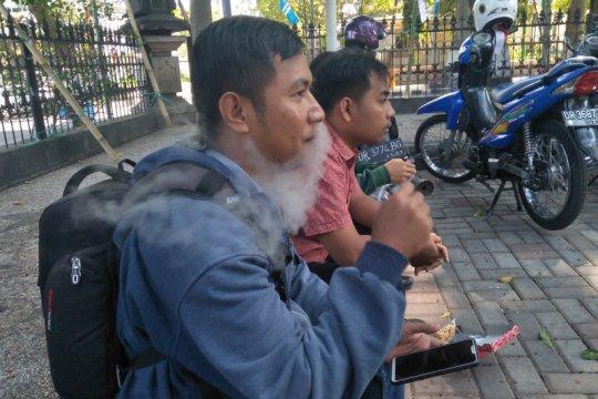 Dinkes Mataram: Asap rokok elektrik lebih berbahaya