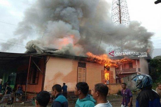 Tiga unit rumah di Kotanopan terbakar