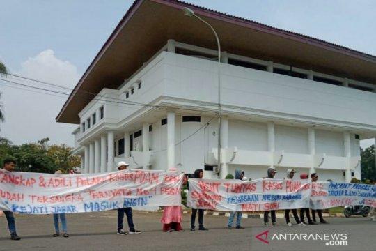 Warga Karawang desak Kejati Jabar tuntaskan kasus dugaan korupsi PDAM