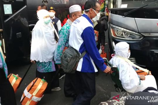 Satu jemaah haji asal Tanah Datar tertahan di Makkah karena sakit