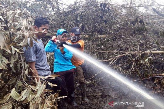 Mahasiswa UIR bantu pemadaman karhutla di Pelalawan