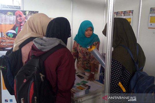 Ratusan pencari kerja padati pameran Bursa Kerja Banyumas