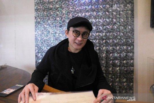 Rinaldy Yunardi, sosok perancang aksesori yang mendunia