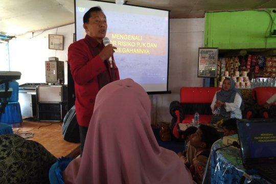 Mantan Presiden Dokter Jantung ASEAN motivasi siswa SMP 10 Padang