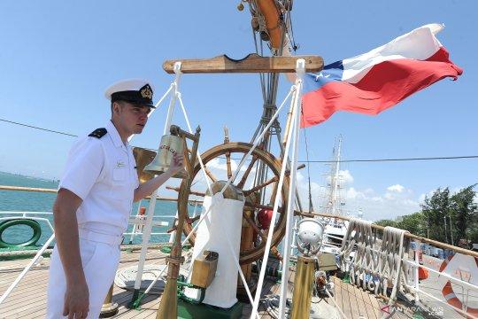 Kunjungan kapal latih Chile BE Esmeralda