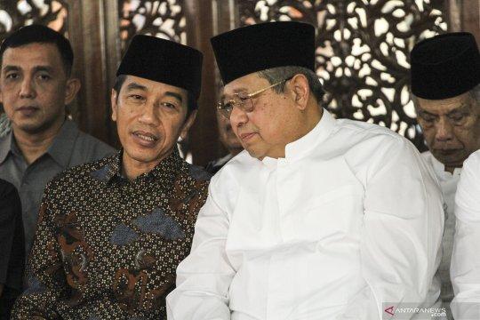 Presiden Jokowi dan Wapres Jusuf Kalla melayat ibunda SBY