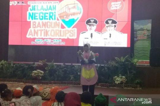 KPK beri pendidikan antikorupsi kepada anak melalui dongeng di Jember
